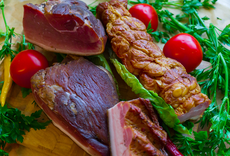 Delicious smoked meat cooked in the traditional way. Banque d'images