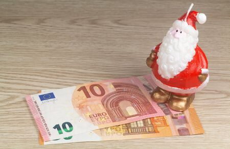 Money as gift for Christmas for kids or teenagers Imagens