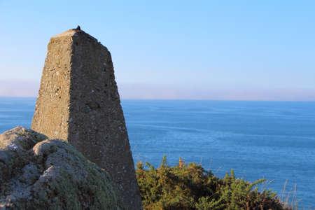 Beacon on breton coast for calculating the distances Standard-Bild