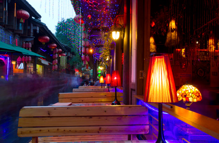 street lamp: Jinli Ancient Street and width alley is one of the most famous tourism in chengdu old street 。CHENGDU,CHINA