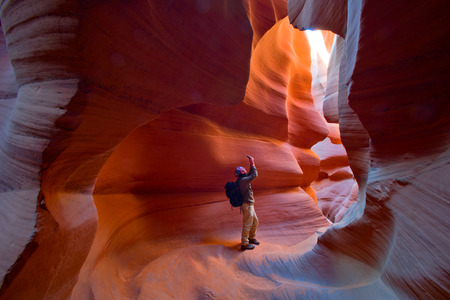 Man Travel Arizona Antelope Canyon 스톡 콘텐츠