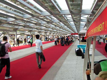 Guangzhou, Chine - le 18 octobre 2010 : China Import et Export juste 2010 - la vue depuis la charrue �lectriques