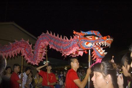 Muar, Johor, Malaisie ? 14 novembre 2010 : Neuf empereur dieux Festival, la danse du dragon traditionnels chinois