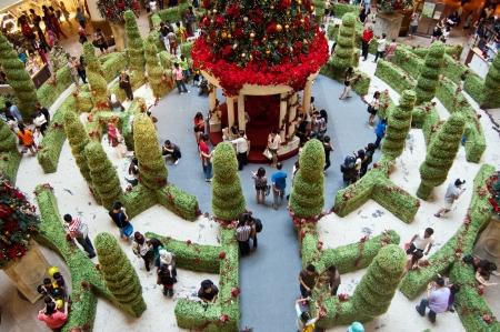 Kuala Lumpur, Malaisie, D�cembre 10, 2011 - D�coration de No�l au Shopping Valley Mall Mid Mega �ditoriale