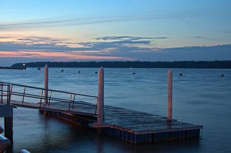 Johor, en Malaisie, Avril 2, 2012 - Le quai nouvellement construit � Tanjung Emas lors de la soir�e