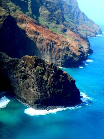 CLIFFS OF KAUI