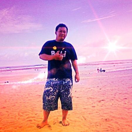 bonsoir: soir�e de hii � Nusa Dua plage