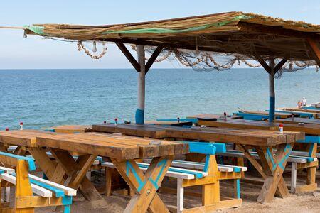 Colorful terrace bar at Vama Veche seashore, Romania, Black Sea Banque d'images