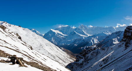 Panoramic view on Nepalese mountains 免版税图像 - 121864997