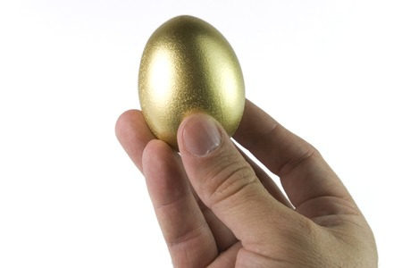 l hand: the gold egg