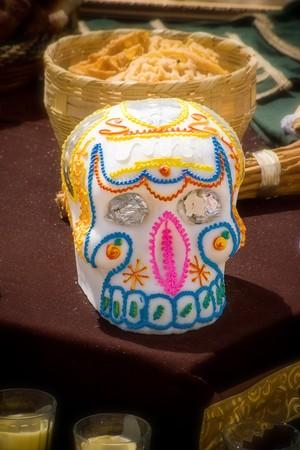 skull in offering dia de muertos  Stok Fotoğraf