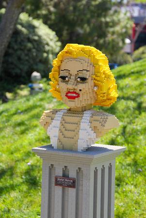 marilyn: CARLSBAD, California USA- APRIL 2014: Legoland California Marilyn Monroe