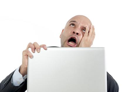 порно: рады отчаянно бизнесмен в стресс на портативный компьютер, проведение монитор смотреть онлайн финансы выпадающего или потерять деньги азартные игры, изолированных на белом фоне