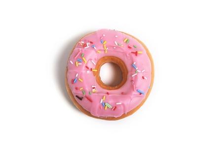 delicioso y tentador rosquilla rosa con ingredientes aislados sobre fondo blanco en la nutrición saludable y azúcar y torta dulce concepto de adicción
