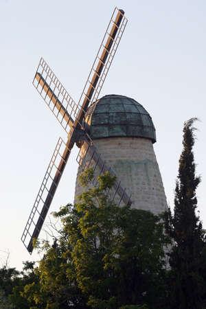 El molino de viento.