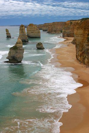 rock strata: Twelve apostles sea rocks in Australia