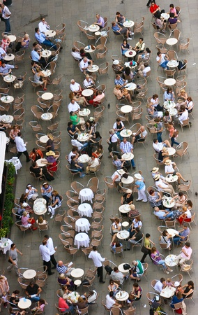 People having good time at the cafe in Venice, Italy Stock Photo - 10052269