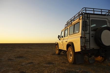 jeep: adventer 4x4 vehicle