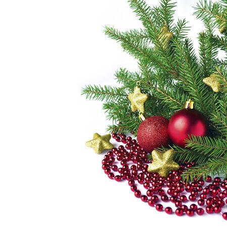 adn: �rbol de Navidad, alquitranes de oro adn bolas de los christmass rojos aislados sobre fondo blanco