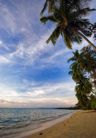 koh: En la playa tropical. Siam bah�a. La provincia de Trat. Isla de Koh Chang. Reino Tailandia