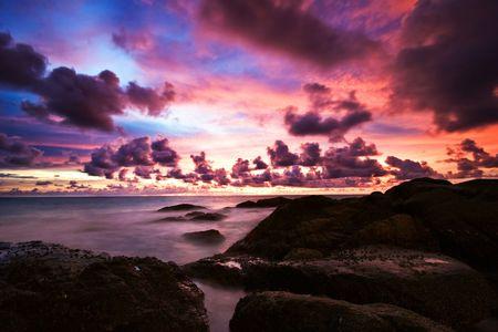Beatiful sunset in the sea Stock Photo - 6502624