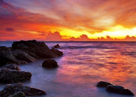 Tropická pláž při západu slunce. Příroda na pozadí Reklamní fotografie