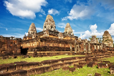 Ancient buddhist khmer temple in Angkor Wat complex, Cambodia Stock Photo - 12108522