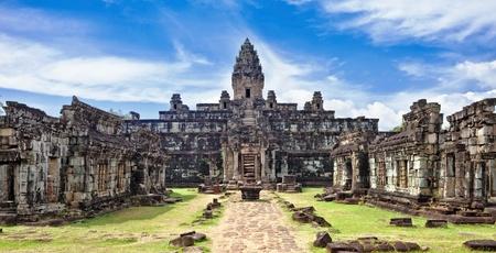 カンボジア アンコール ワット複合体にある古代仏教クメール寺院
