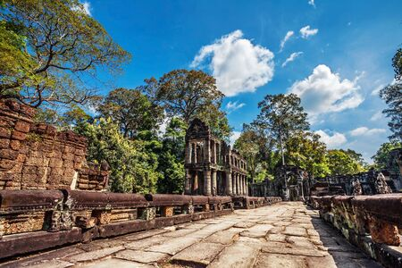 Ancient buddhist khmer temple in Angkor Wat complex, Cambodia Stock Photo - 15441193