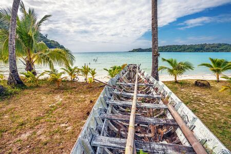Old Thai fishing boat at the beach  Phi Phi island  Thailand  Stock Photo - 16942767