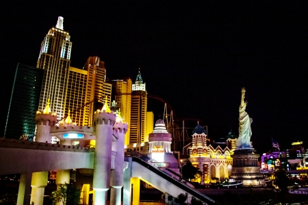 las vegas night: LAS VEGAS - MAY 3  Life continues at night  Illumination of New York Hotel   Casino on May 3, 2007 in Las Vegas, Nevada  The hotel skyline architecture simulates the real New York City skyline