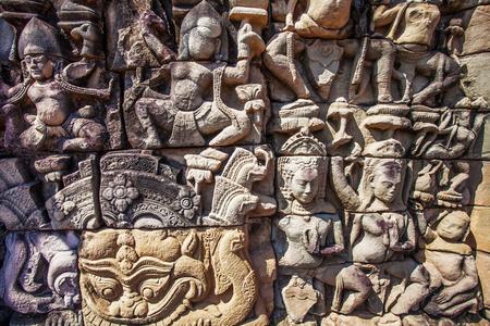 angkor wat: Apsara carved on the wall of Angkor Wat, Cambodia
