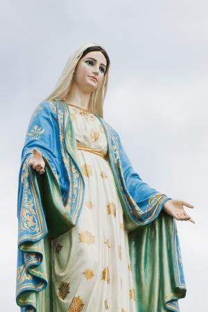 vierge marie: Vierge Marie statue � la province de Chantaburi, Tha�lande.