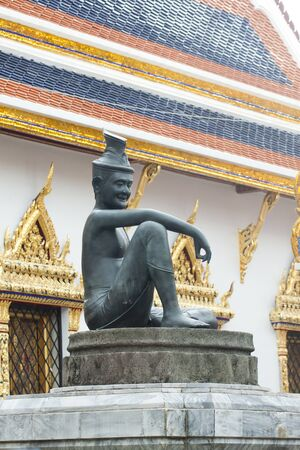 Statue in Wat Phra Kaew.  photo