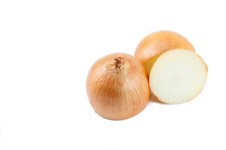 cebolla: cebolla sobre fondo blanco