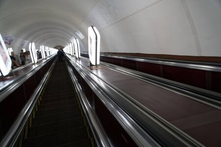 Empty escalator in undeground ( subway ) station. 報道画像