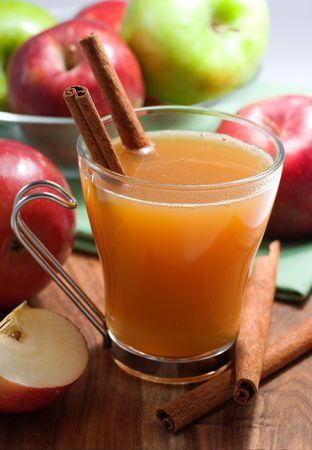 apple cinnamon: Sidro di mele  Archivio Fotografico