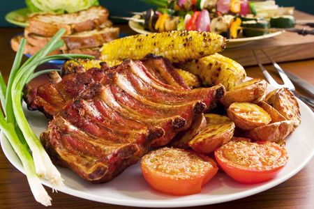Grilled pork ribs and vegetables