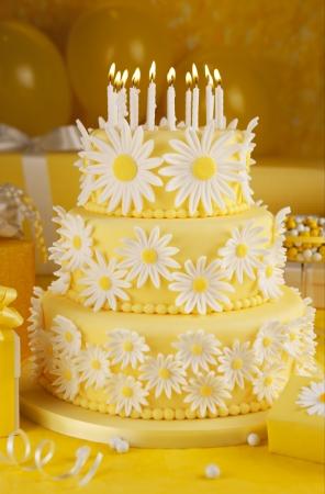 pastel de cumplea�os: Daisy pastel de cumplea�os