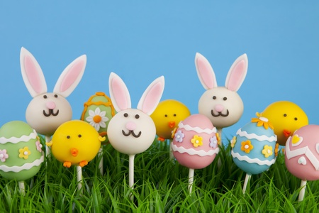 chocolate eggs: Easter cake pops Stock Photo