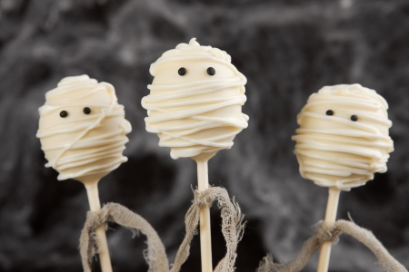 cake pops: Mummy cake pops