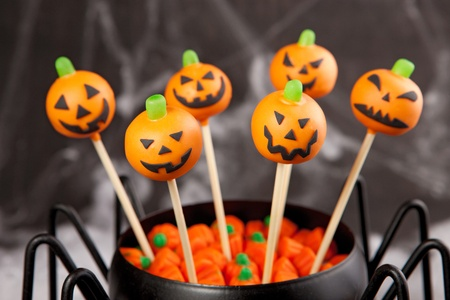 cake pops: Jack-o-lantern cake pops Stock Photo