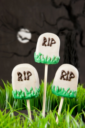 Tomb cake pops photo