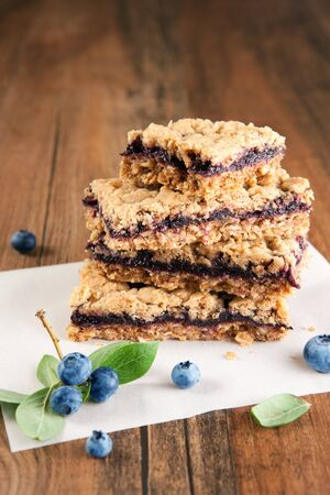 snack bar: Blueberry crumb bars