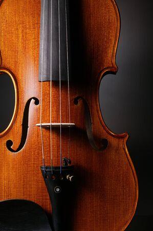 fiddlestick: viol�n con el fondo negro