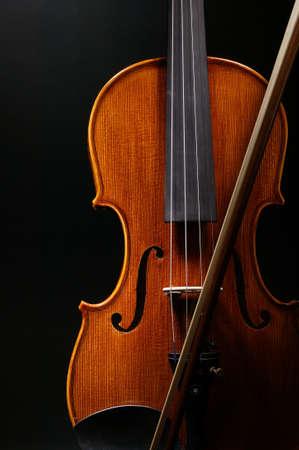 fiddlestick: viol�n con fondo negro