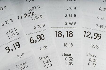 finanzen: Till receipts from the daily shopping of essential things,Kassenbelege von den täglichen Einkäufen lebenswichtiger Dinge