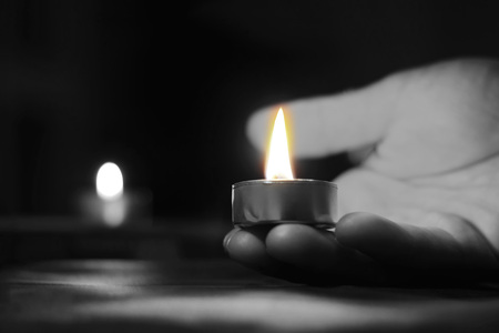 Memorial Day International Holocaust Remembrance Day People carry lighted candles, no one is forgotten nothing is forgotten Archivio Fotografico