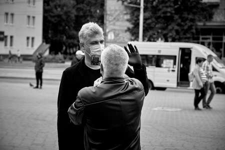 June 14 2020 Minsk Belarus A man interviews a presidential candidate 新聞圖片