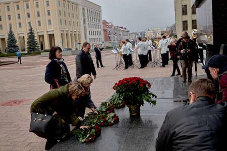 November 7, 2019 Minsk Belarus Anniversary of the communist revolution near the monument to Lenin 新聞圖片